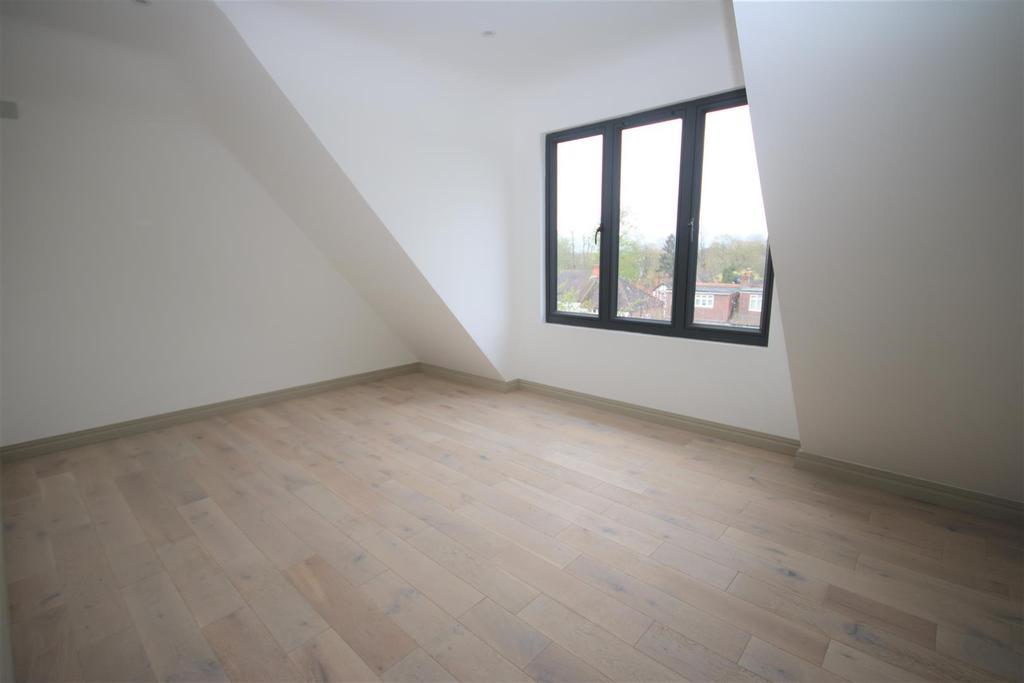 Bedroom 5 :