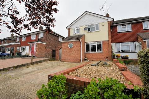 3 bedroom semi-detached house for sale - Cotswold Way, Tilehurst, Reading