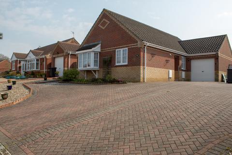 3 bedroom detached bungalow for sale - Rowan Way, Worlingham