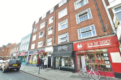 Studio to rent - Eastgate House