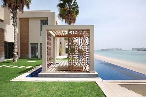 5 bedroom detached house  - Frond E, Palm Jumeirah, Dubai UAE