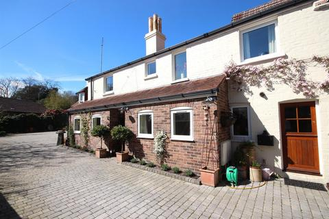 4 bedroom semi-detached house for sale - Higher Blandford Road, Broadstone