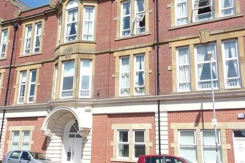 2 bedroom flat to rent - Croft Road, Blyth, Northumberland, NE24 2EL