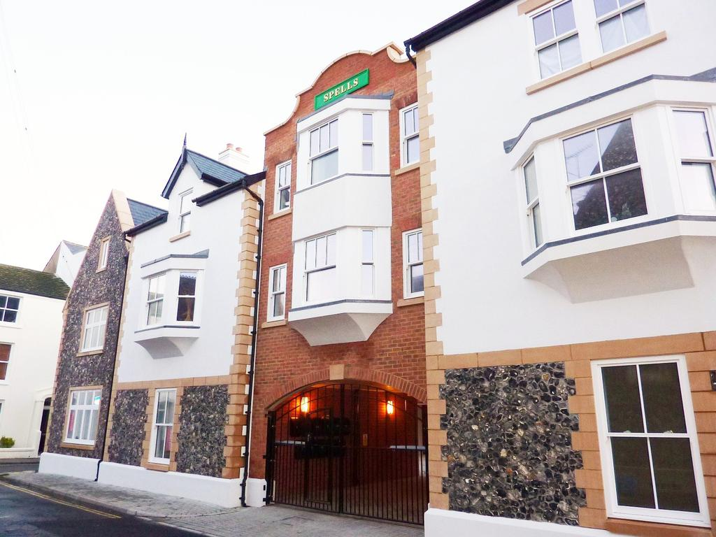 Flat 7, Spells Yard, 1 Grafton Place, BN11 2 bed maisonette - £975