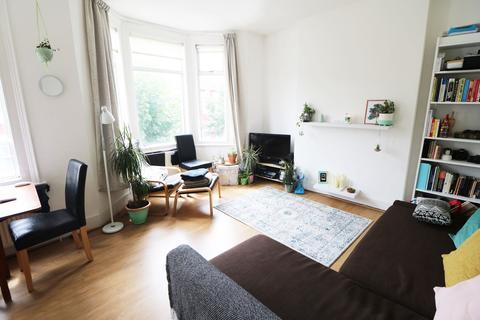 1 bedroom flat to rent - Warren Road, Colliers Wood, London, SW19