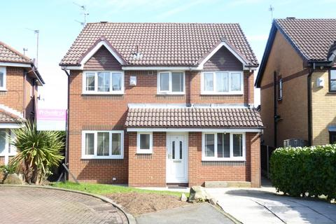 4 bedroom detached house to rent - Bidston Close, Bury, BL8 2UN