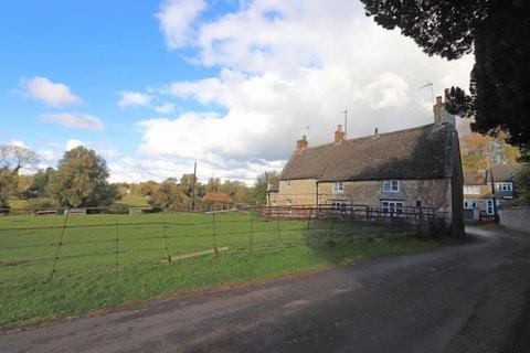 2 bedroom cottage to rent - The Street, South Luffenham