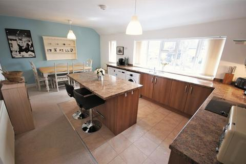 2 bedroom flat for sale - Blenheim Road, Moseley - Lovely Two Bedroom Flat in prime Moseley Location with No Chain!