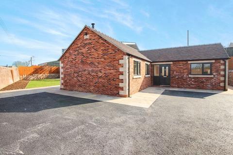 3 bedroom detached bungalow for sale - Ostlers Lane, Cheddleton, Near Leek. ST13 7DQ