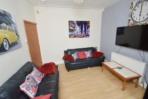 4 bedroom house to rent - Furness Road, Manchester