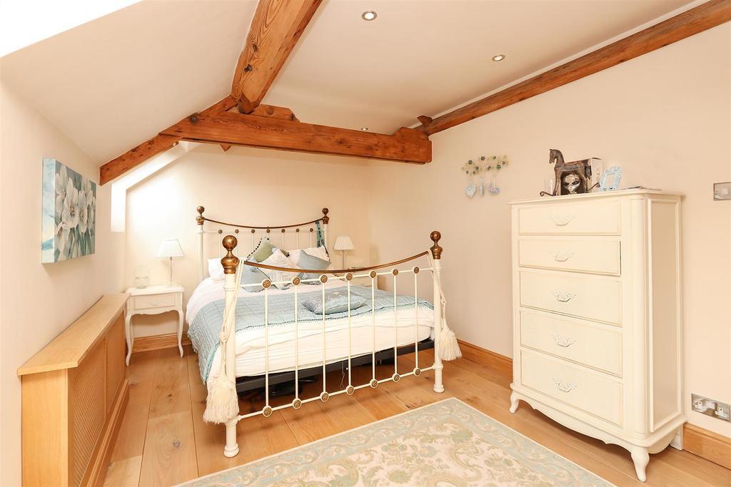 Bed3.2.jpg