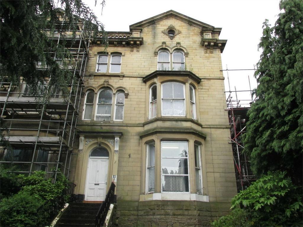 2 Bedrooms End Of Terrace House for sale in Manningham Lane, BRADFORD, West Yorkshire