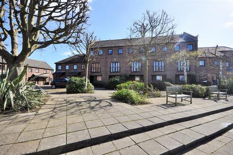 3 bedroom house to rent - Browney Croft, York