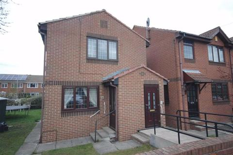 2 bedroom flat for sale - Taylor Hall Lane, Mirfield, WF14