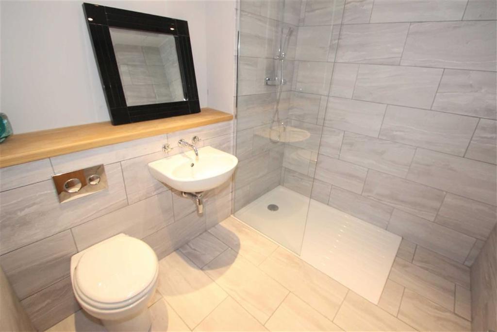 En suite wet room / wc