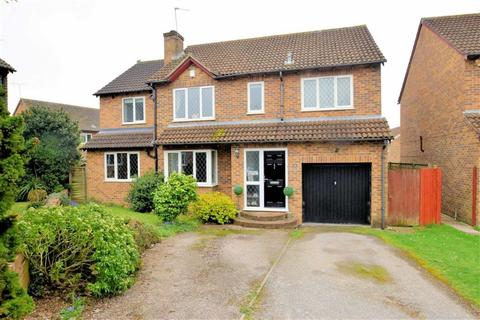 5 bedroom detached house for sale - Charrington Road, Calcot, Reading