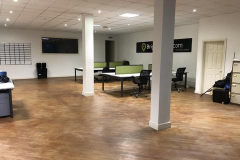 Studio to rent - 89-90 Woodfield Street