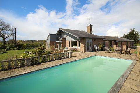 5 bedroom detached bungalow for sale - Higher Kinnerton, Chester