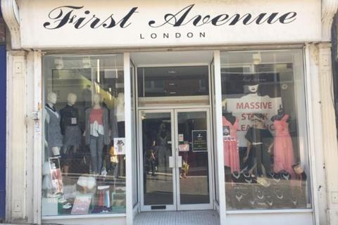 Shop to rent - Gabriels Hill, Maidstone, Kent, ME15
