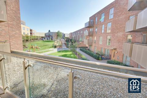 3 bedroom apartment to rent - Scholars Court, CB2