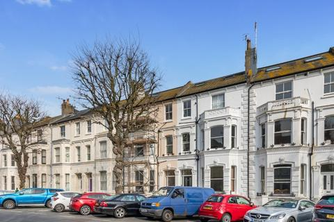 2 bedroom flat for sale - Tisbury Road, Hove, , BN3