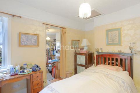 2 bedroom semi-detached house for sale - Livingstone Road, Thornton Heath, CR7