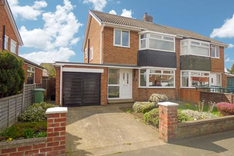 3 bedroom semi-detached house for sale - Rimswell Road, Fairfield, Stockton-on-Tees, Durham, TS19 7LE