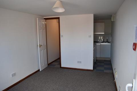 Studio to rent - Dunstable Road, Bury Park