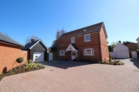 4 bedroom detached house to rent - Lynfield Mews, High Street, Ingatestone, Essex, CM4