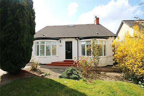 5 bedroom detached bungalow for sale - Ormesby Bank, Ormesby