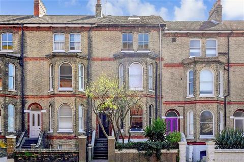 1 bedroom ground floor flat for sale - Gladstone Terrace, Brighton, East Sussex