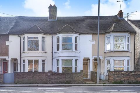 3 bedroom house to rent - Stoke Road, Aylesbury, HP21