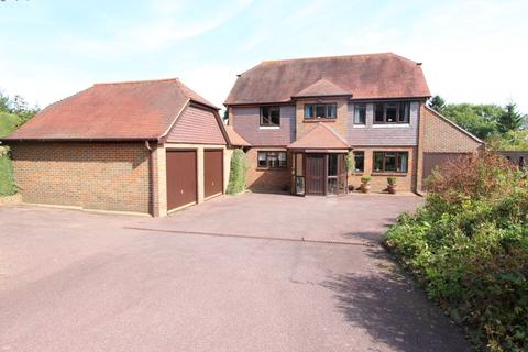 4 bedroom detached house for sale - Heath Road, East Farleigh, Kent, ME15