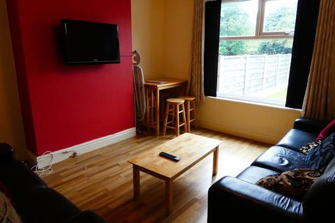 4 bedroom semi-detached house to rent - Finchley Road, Fallowfield