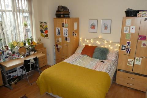 6 bedroom detached house to rent - Upper Kent Road, Manchester
