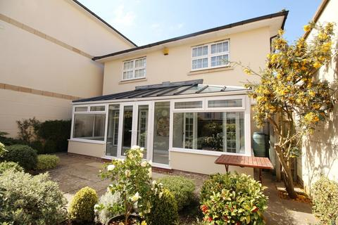 3 bedroom detached house to rent - Sandford Park Place