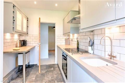 2 bedroom flat for sale - Preston Park Avenue, Brighton, BN1 6WA