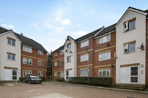 1 bedroom flat for sale - Fenman Gardens, Ilford, IG3