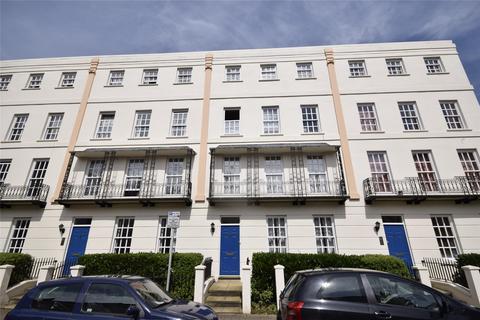 2 bedroom flat to rent - Buckingham Court , Wellington Street, Cheltenham, Gloucestershire, GL50 1XZ