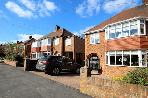 3 bedroom semi-detached house for sale - Weelsby Way, Hessle