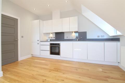 2 bedroom apartment to rent - Knight Court, Crown Street, Brentwood