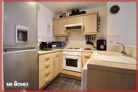 2 bedroom apartment for sale - Harrison Way, Cardiff Bay, Cardiff, CF11 7GX