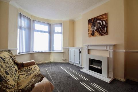2 bedroom flat for sale - Ground Floor Flat, Corporation Road, Grangetown, Cardiff, CF11 7AN