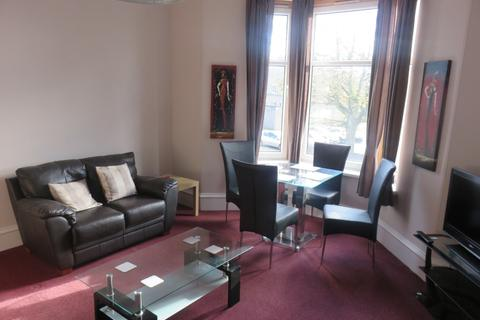 3 bedroom flat to rent - Grosvenor Place, , Aberdeen, AB25 2RE