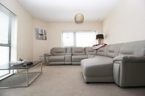 2 bedroom ground floor flat to rent - Flat 4 Athelstan House, 25 Station Road