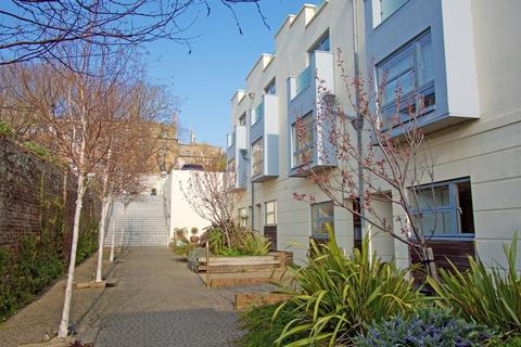 3 bedroom terraced house for sale - Sussex Square Mews, Brighton, East Sussex, BN2