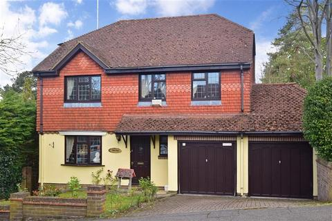 4 bedroom detached house for sale - Bencombe Road, Purley, Surrey