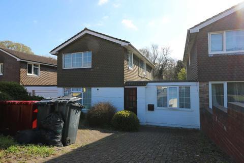 2 bedroom flat to rent - Savernake Close, Reading