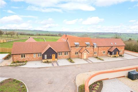 5 bedroom bungalow for sale - Manor Farm Barns, Lower Pollicott, Aylesbury, Buckinghamshire, HP18