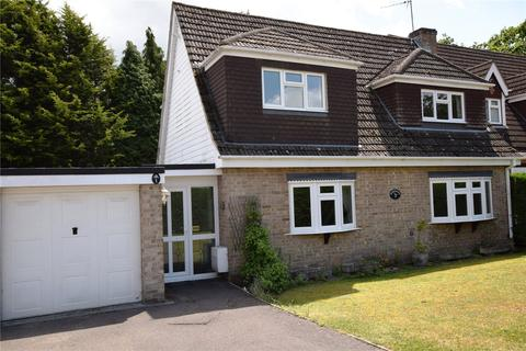 3 bedroom detached house for sale - Goodwood Close, Burghfield Common, Reading, Berkshire, RG7